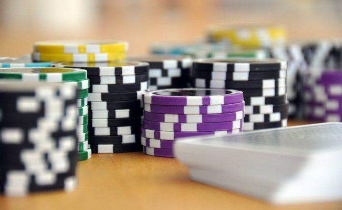 slots vs betting
