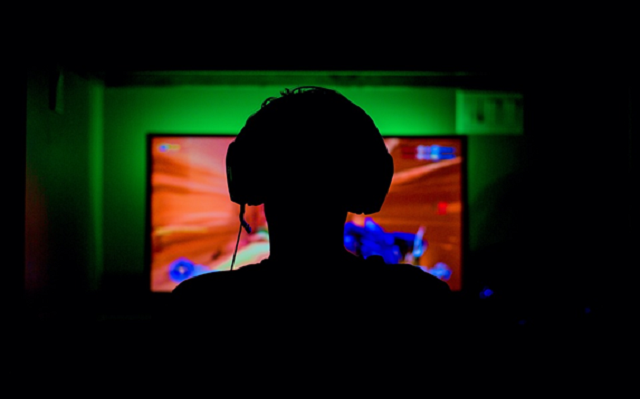 Le streaming Twitch a toujours été un travail de rêve pour de nombreux joueurs. Les streamers OG comme Shroud, Jerma et MOONMOON et les streamers « new age » comme Sykkuno, Disguised Toast et xQc incitent les fans à grimper eux-mêmes dans le classement Twitch.